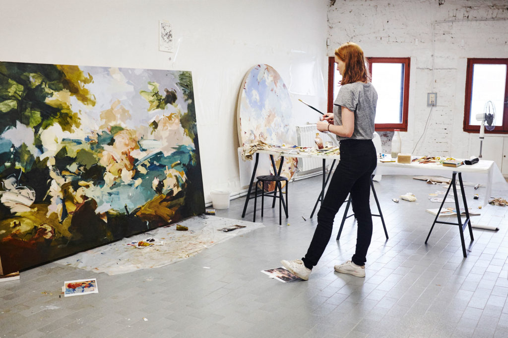 Flora working in Venice Studio.